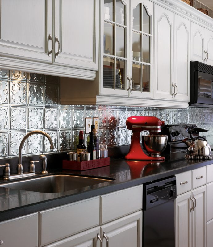 Upgraded Stainless Backsplash Architectural Interest Large Kitchen With Metal